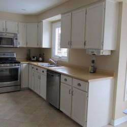 Kitchen cupboard door take down and reinstallation